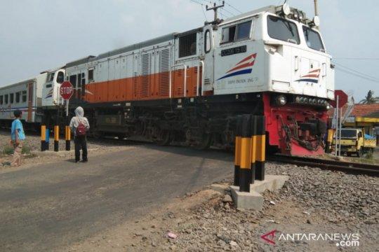 Di jalur Sukabumi-Cianjur-Ciranjang ada 62 perlintasan KA tidak resmi