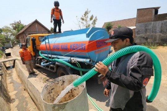 Sejumlah daerah di Kabupaten Kediri masih kesulitan air bersih