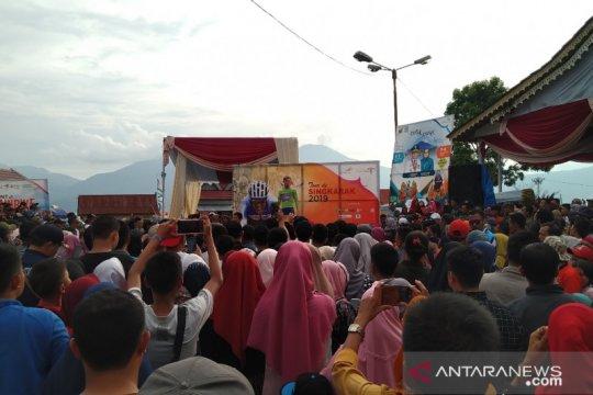 Masyarakat Kerinci antusias saksikan Tour de Singkarak 2019