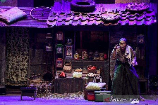 Hari ini, pentas Teater Koma sampai festival Gashapon