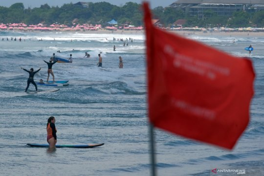 Peringatan dini potensi gelombang tinggi di Bali