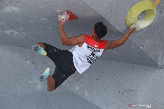 Atlet panjat tebing Indonesia Fachtur Roji melaju ke babak final