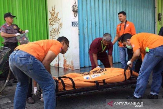 Polisi selidiki temuan pria tewas di depan ruko di Semarang