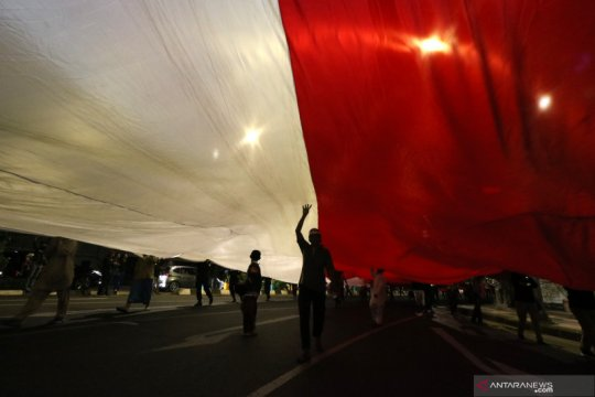 Kirab bendera Merah Putih peringati Hari Pahlawan