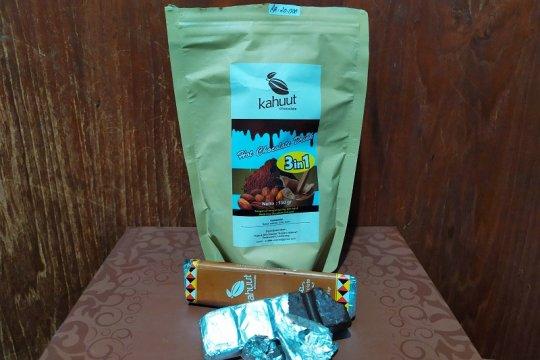 Produk cokelat asli Pesawaran di ajang Festival Kopi Lampung