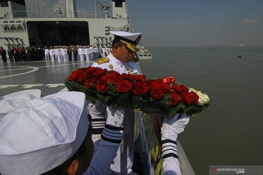 Peringatan Hari Pahlawan di KRI Surabaya - 591