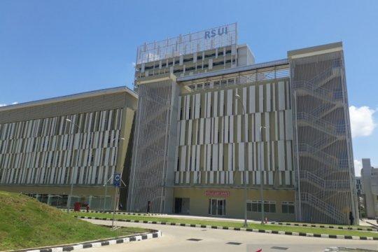 Kantor Staf Kepresidenan RI beri bantuan UI alat kesehatan