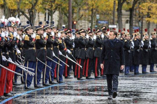 PM Polandia: Komentar pedas presiden Prancis soal NATO 'berbahaya'