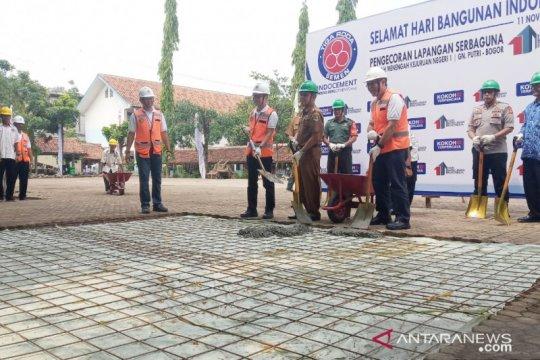 Hari Bangunan, Indocement renovasi lapangan sekolah di Bogor