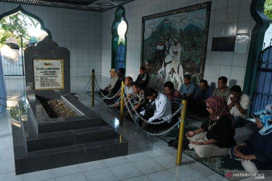 Ziarah ke makam Tuanku ImamBonjol