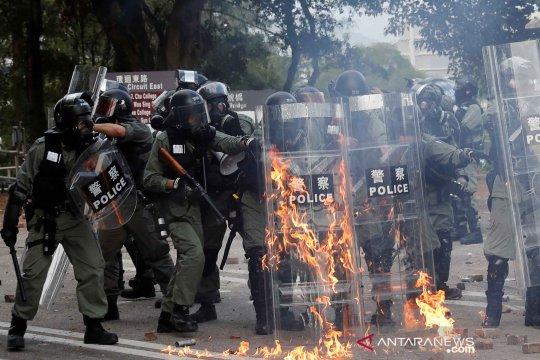 Aksi protes anti pemerintah di Hong Kong semakin memanas