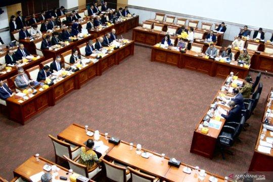 Menlu sampaikan empat hasil KTT ASEAN ke DPR RI