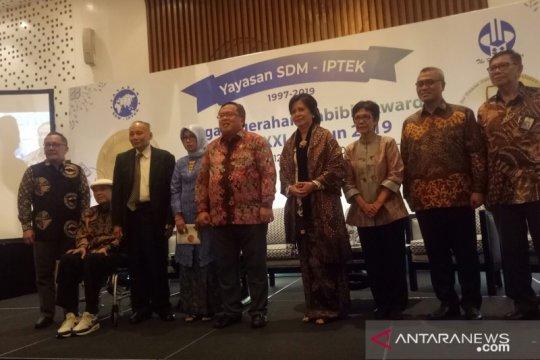 Empat ilmuwan dan satu mantan wakil menteri terima Habibie Award
