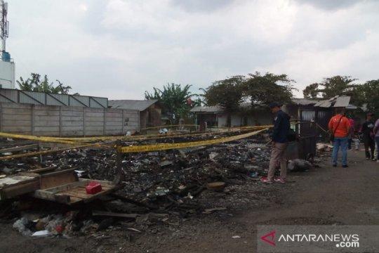 Puslabfor Mabes Polri menyelidiki kebakaran pasar penampungan Sukabumi