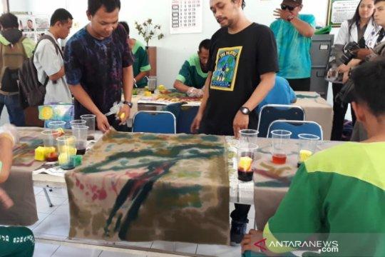 Kegiatan melukis, upaya RSJD Surakarta rehabilitasi pasien