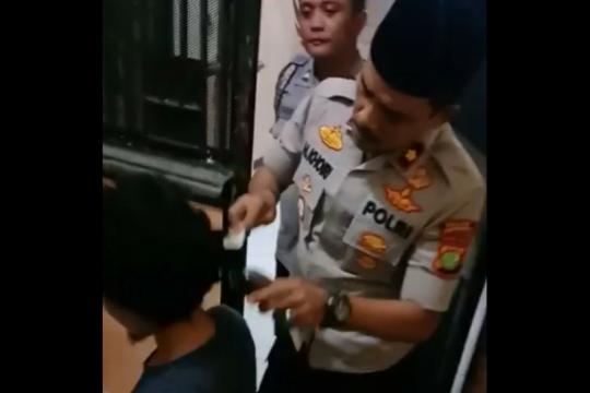 Kemarin, pohon kurma untuk trotoar Cikini hingga polisi cukur rambut