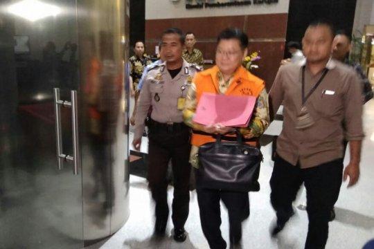 KPK tahan Darwin Maspolim tersangka kasus suap restitusi pajak