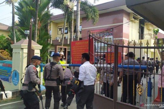 Bom Medan, Petugas Labfor ambil sampel dari lokasi ledakan