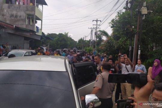 Polisi bawa 4 orang dari rumah pelaku bom bunuh diri