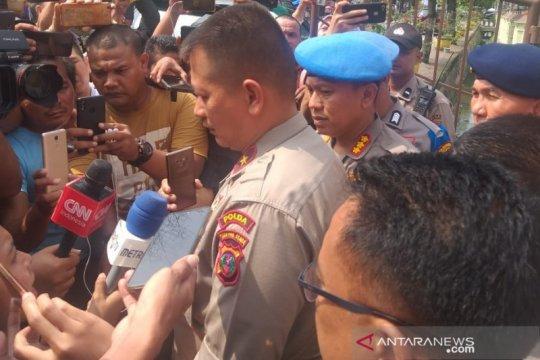 Polisi geledah rumah terduga bom bunuh diri