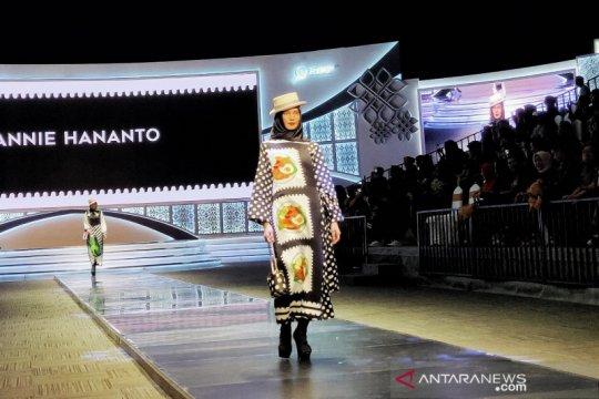 Hannie Hananto kenalkan kuliner Indonesia lewat busana