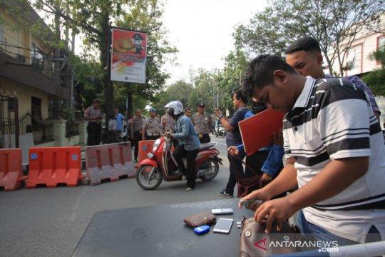 Sehari pascabom bunuh diri, pelayanan di Polrestabes Medan dibuka