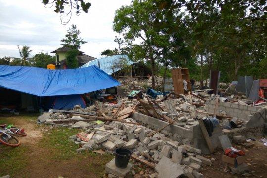Pengungsi dampak gempa Ambon masih takut kembali ke rumah