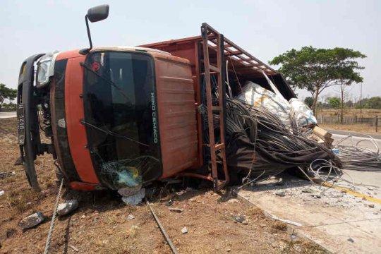 Operator Cipali akui baru pasang pembatas jalan 18 kilometer