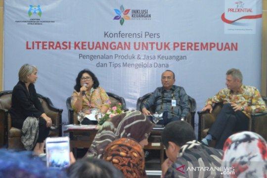 OJK: Perempuan harus mampu jaga keuangan keluarga