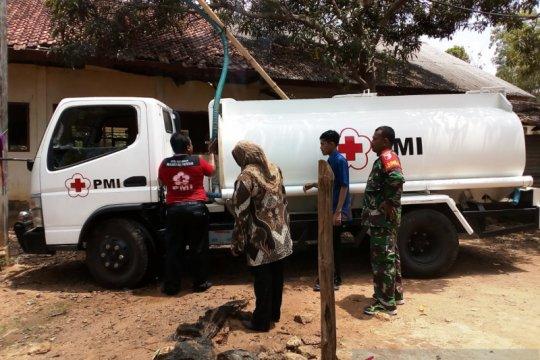 PMI Pamekasan distribusikan air bersih ke desa kekeringan