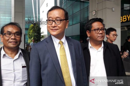 Pemimpin oposisi Kamboja Sam Rainsy tiba di Jakarta pada Kamis