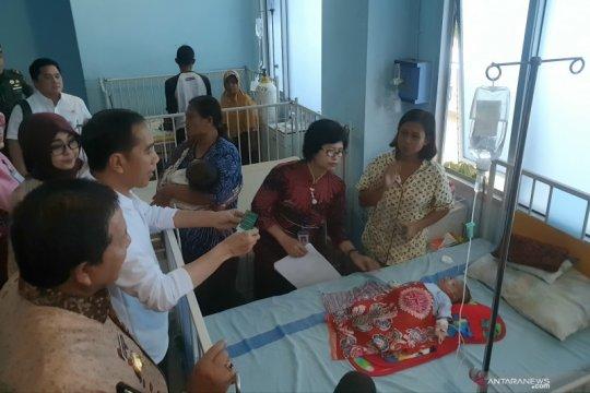 """Jokowi """"blusukan"""" di RSUD Abdul Moeloek sidak pemanfaatan BPJSK"""