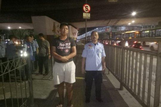 Pelaku pelecehan seksual berkedok pengemis di JPO Grogol ditangkap