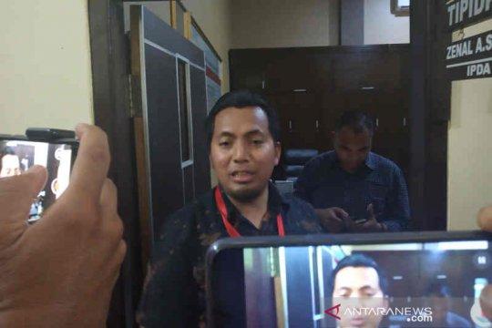 Empat pengacara mendampingi anak Bupati Majalengka IN saat diperiksa