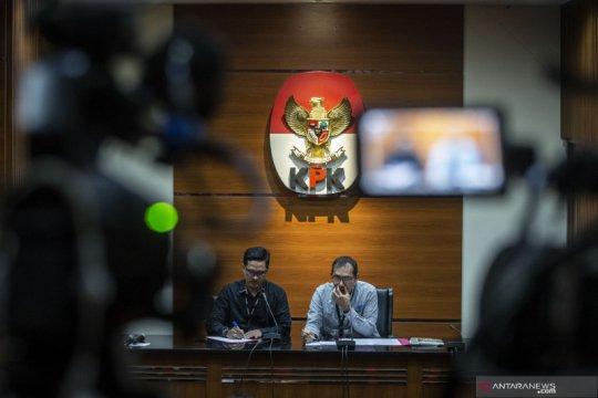 KPK panggil tiga saksi suap perizinan dan properti Kabupaten Cirebon