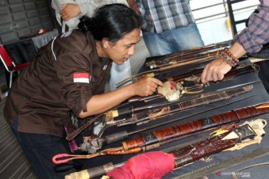 Folks Of Dayak pamerkan pusaka Dayak Kalimantan