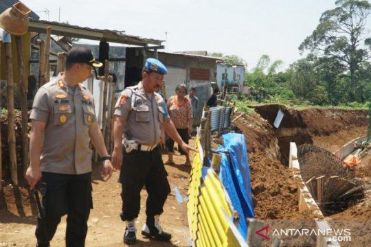 Polres Bogor akan periksa pimpinan proyek double track yang longsor