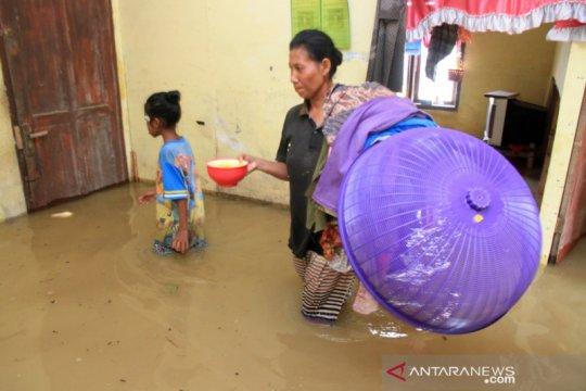 Banjir rendam lima kecamatan di Aceh Barat