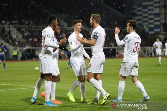 Inggris tutup kualifikasi dengan kemenangan telak di Kosovo