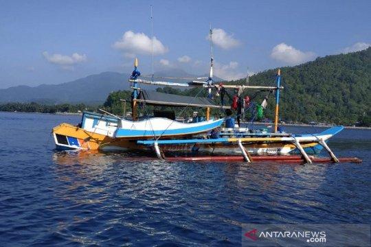 """Kapal ikan Filipina dibekuk saat """"illegal fishing"""" di laut Sulawesi"""