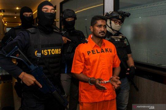 Selundupkan sabu 1,3 kg, WN India ditangkap di Sidoarjo