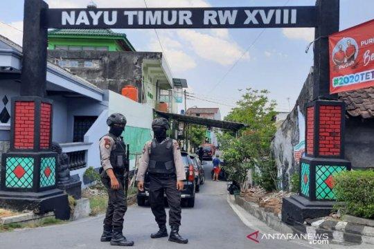 Densus geledah rumah terduga teroris di Nusukan Solo