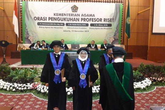 Tiga peneliti Kemenag dikukuhkan sebagai profesor riset