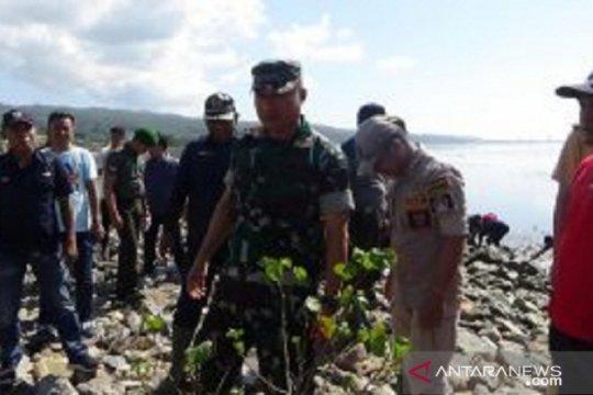 Kodim 1417 prakarsai penanaman mangrove pesisir pantai Kendari