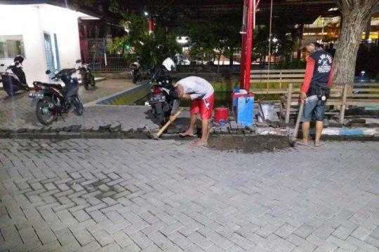 Fiber optik mulai dipasang di kawasan pinggiran Surabaya