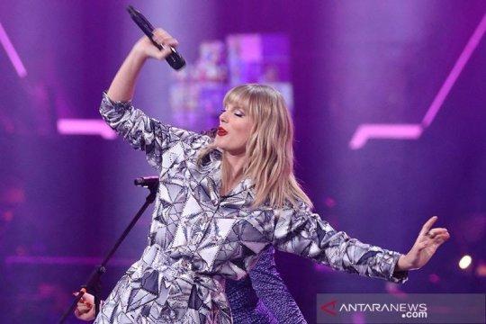 Taylor Swift rayakan usia 30 tahun di konser