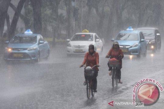 Wilayah Jakarta diguyur hujan pada Natal