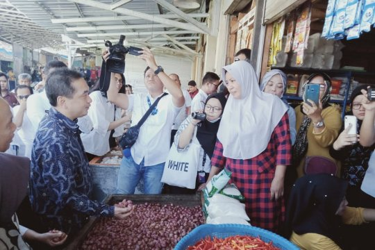 Mendag pantau pasar tradisional Pa'baeng-baeng Makassar