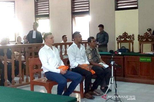 Dua warga Australia diadili atas penyalahgunaan narkotika di Bali