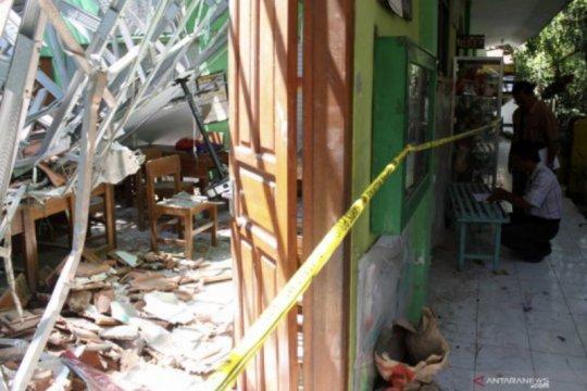Polisi Jatim beri sinyal ada tersangka baru kasus sekolah ambruk